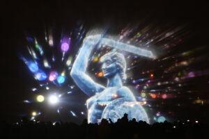 Tłumy na pokazie fontann. Warszawskie syreny przyciągnęły 25 tys. widzów
