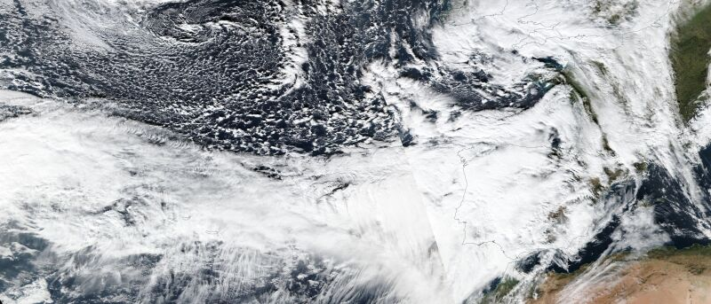 Zdjęcie satelitarne sztormu Elsa (NASA Worldview, EOSDIS)