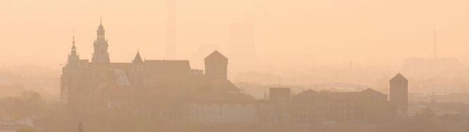 Małopolska we mgle. Widzialność ograniczona do 100 m