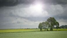 Jesienna szaruga w połowie maja. Deszcz popada w całym kraju