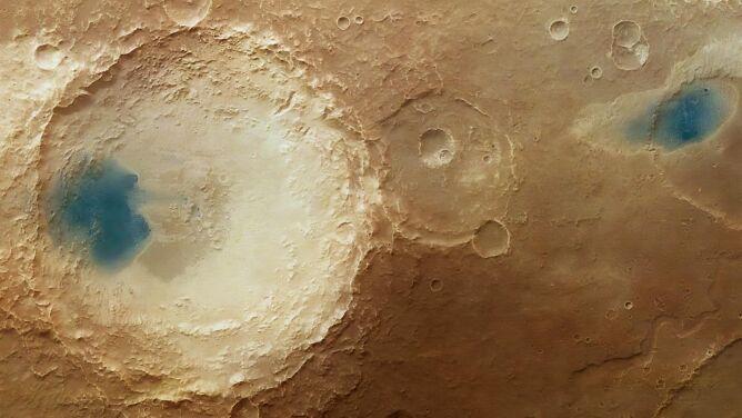 Jeziora na Marsie? Zaskakujący obraz powierzchni Czerwonej Planety
