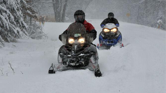 Śnieżyce w Stanach. Półmetrowe zaspy i chaos na drogach